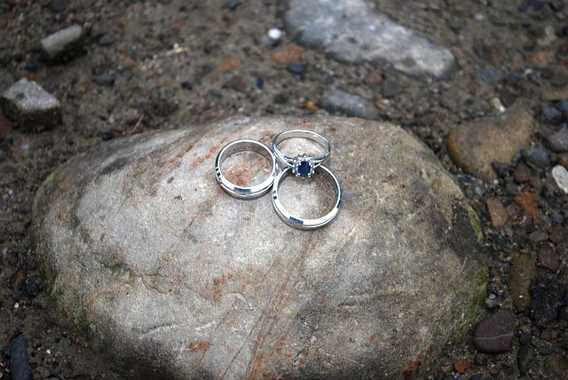 prsteny na kameni
